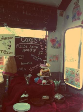 cake on bus